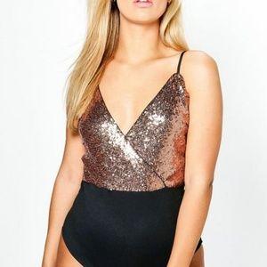 Boohoo - Gold Sequin Body Suit US20